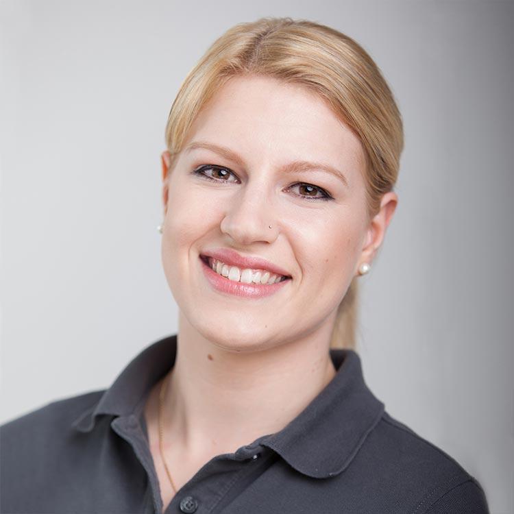 Kristina Wochner - Prophylaxe, Assistenz bei mundharmonie Zahngesundheit Zahnarztpraxis Freiburg Tiengen